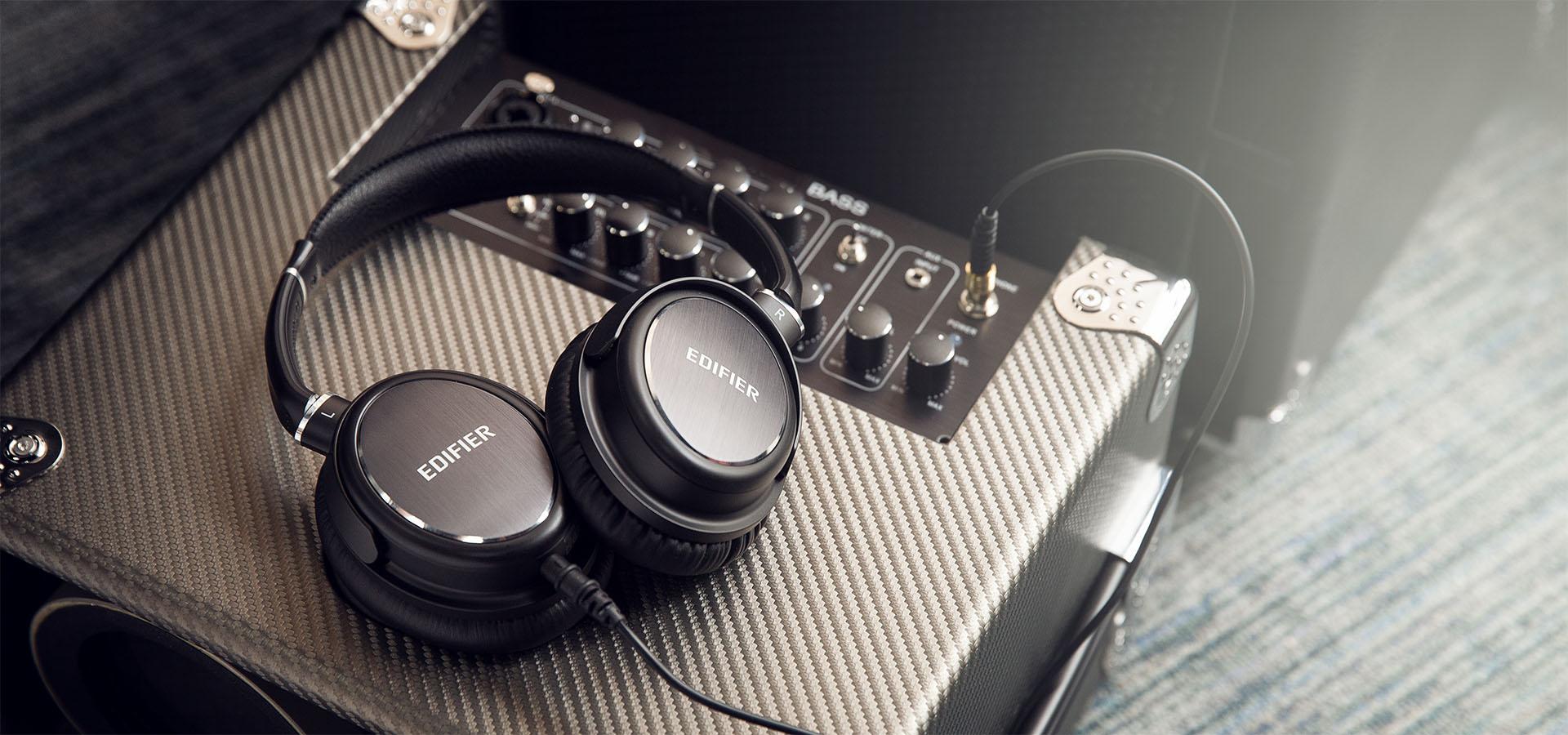 Edifier H850 Headphones Lifestyle Shot